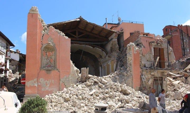 Terremoto, si indaga su materiali, collaudi e regolarità delle costruzioni