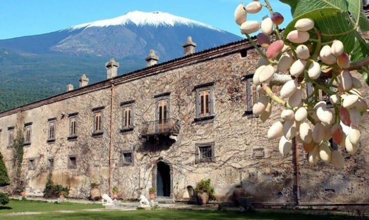 Castello 'Ducea Nelson' a Bronte (Catania)