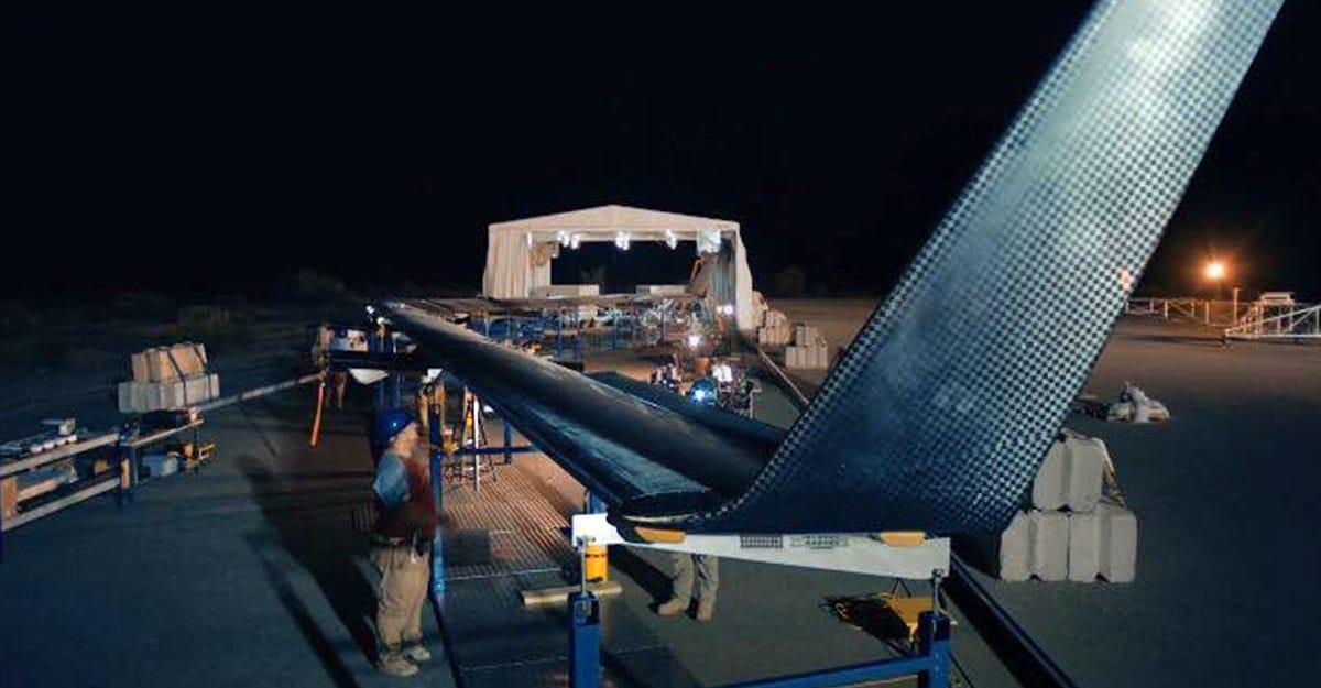 KOPRON & FACEBOOK: installato capannone mobile al servizio del drone solare Aquila