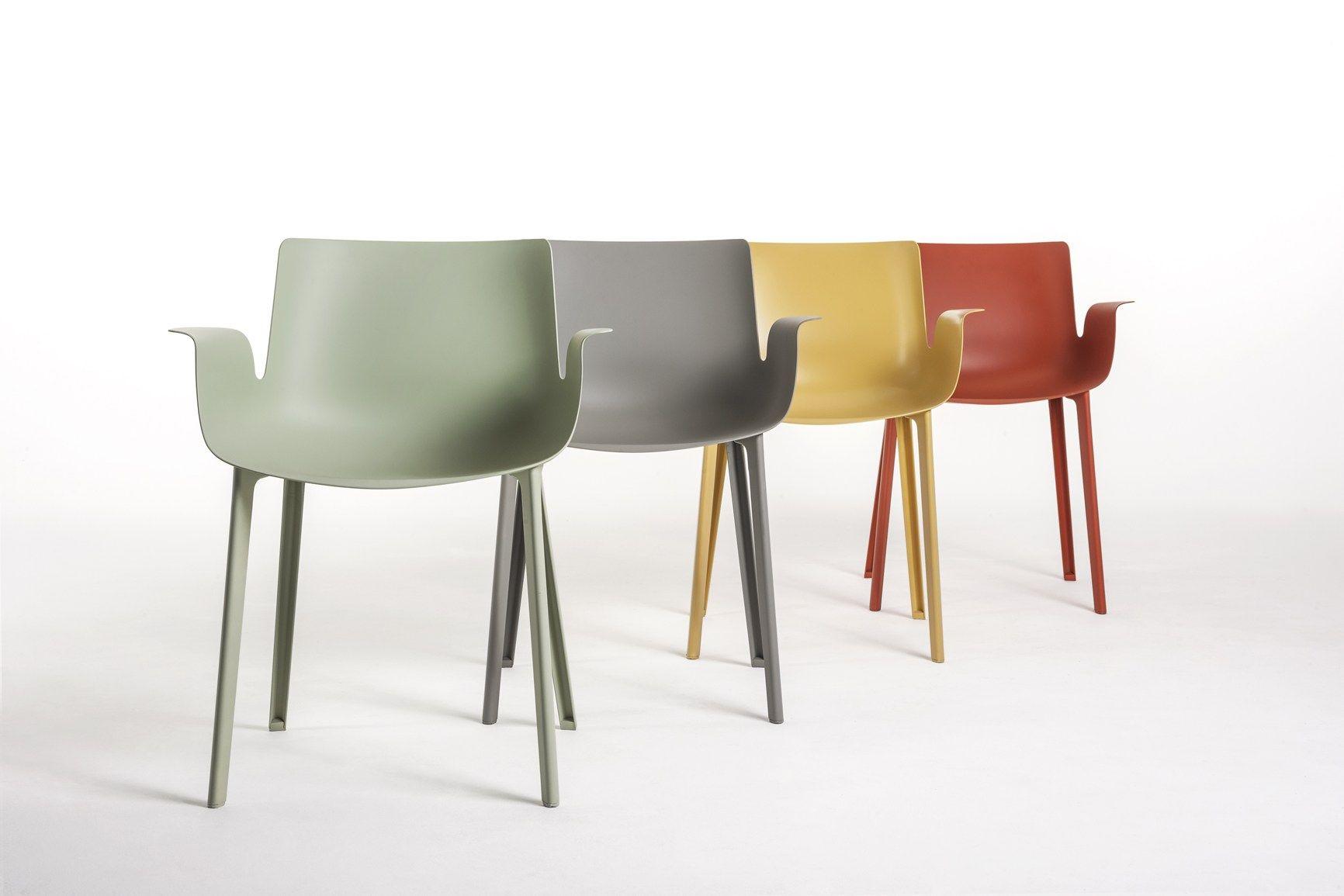 La sedia piuma di kartell si aggiudica il premio 39 red dot for Sedia design kartell