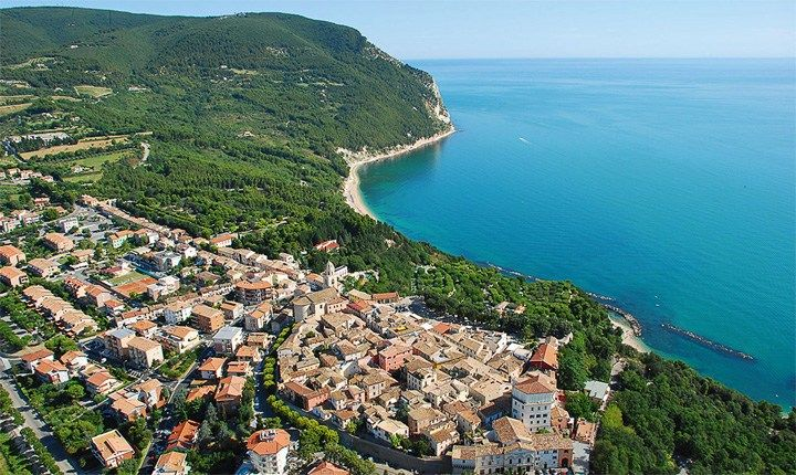 Foto tratta da: turismosirolo.it