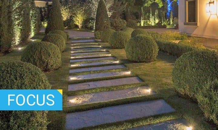 Pareti Esterne Illuminate : Illuminazione per esterni guida alla scelta
