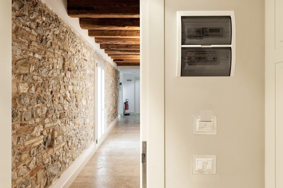 La domotica alberghiera Ave Domina Hotel all'agriturismo Villa Trovatore