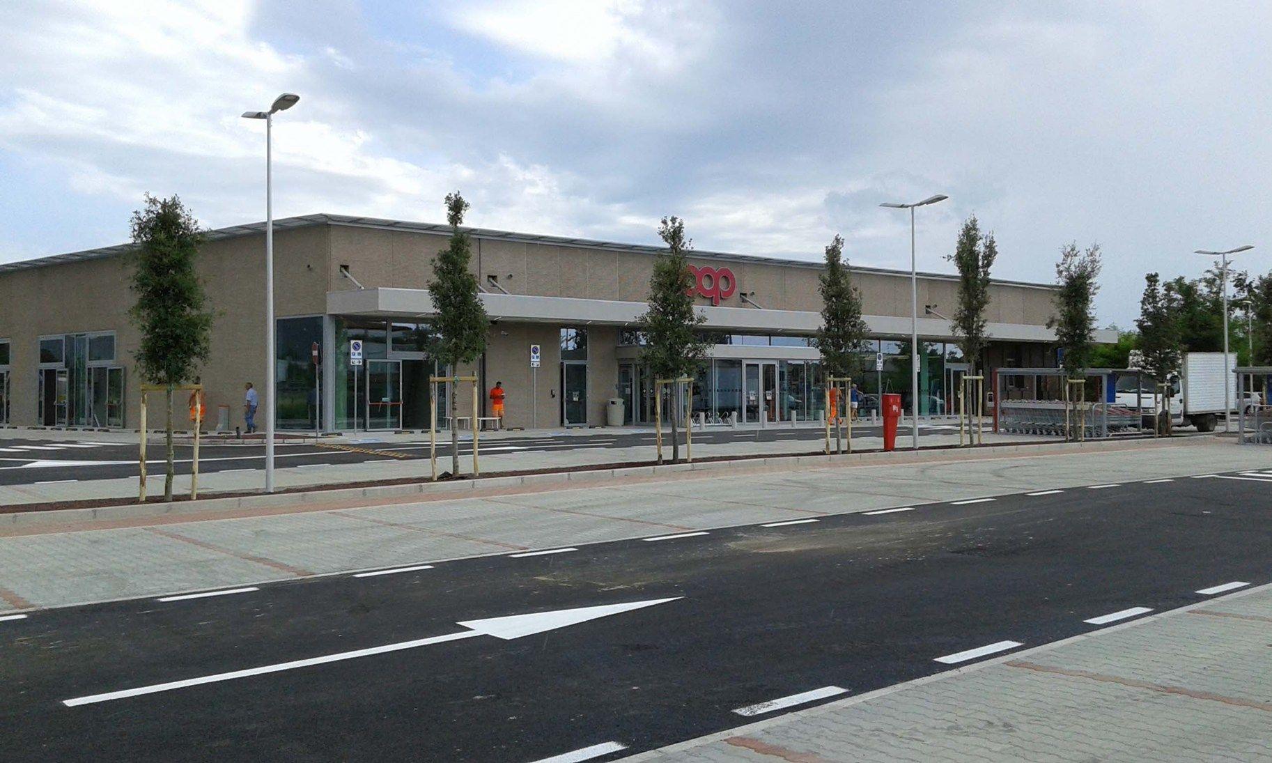 Lecablocco tagliafuoco per un supermercato in Versilia
