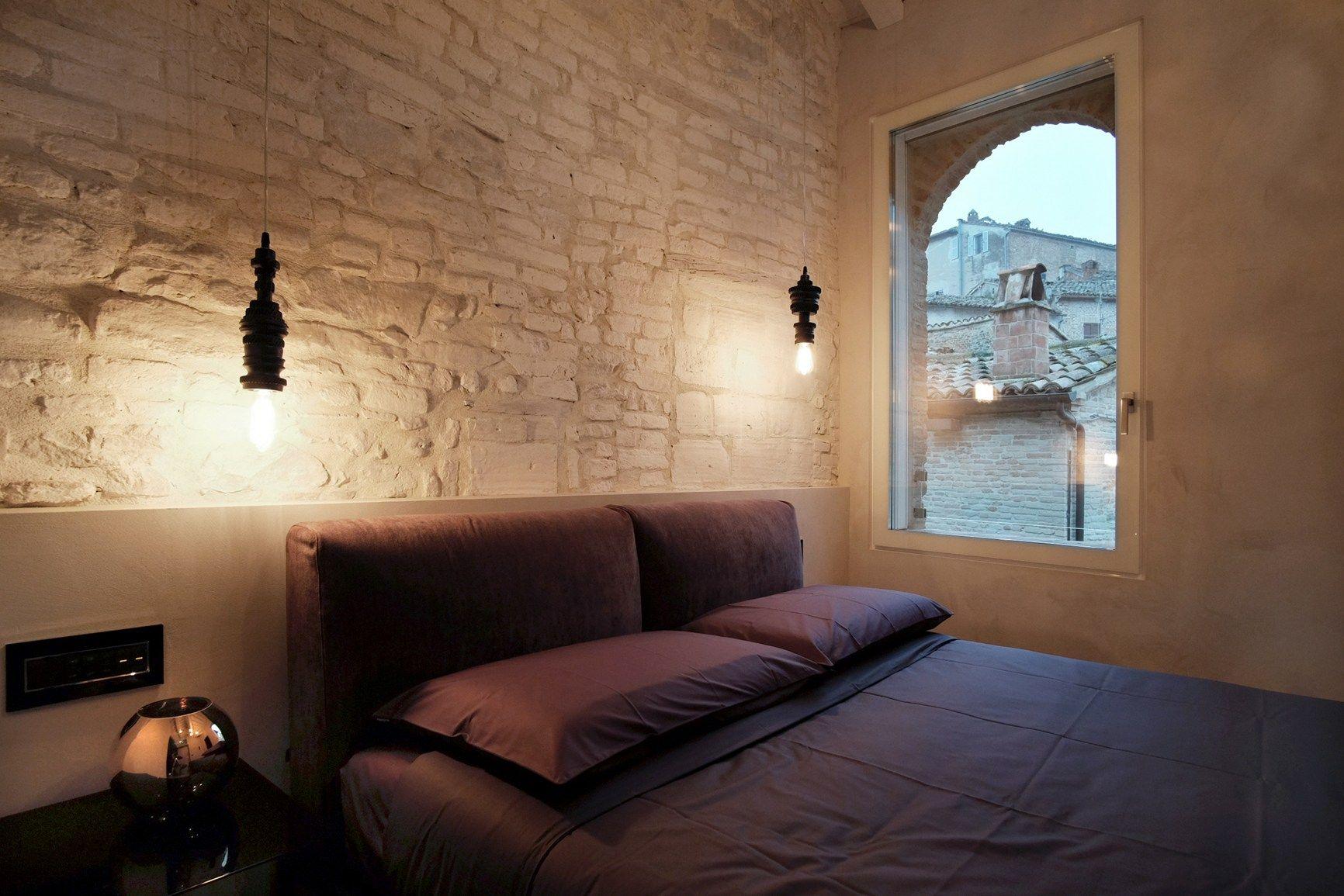 Illuminare l angolo lettura in camera da letto