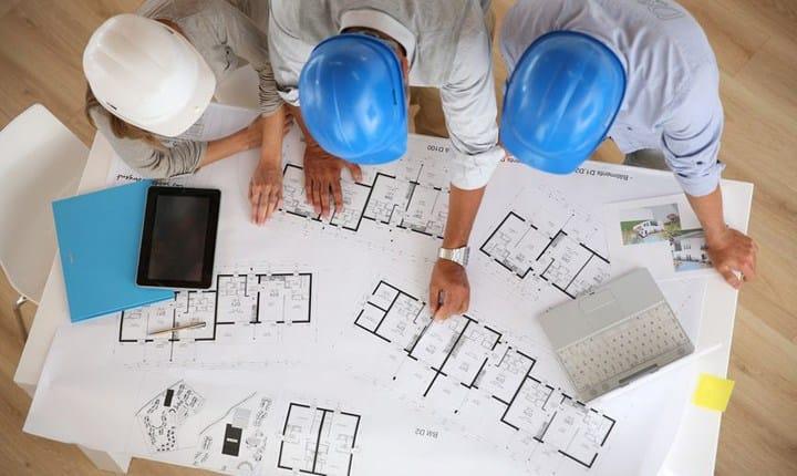 Architetti, negli ultimi 10 anni redditi giù del 23%