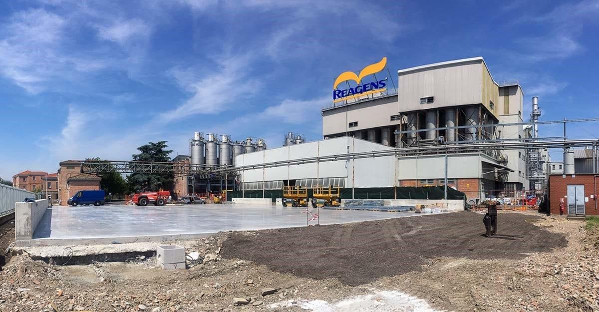Un capannone retrattile Kopron per stoccare additivi di Reagens Group