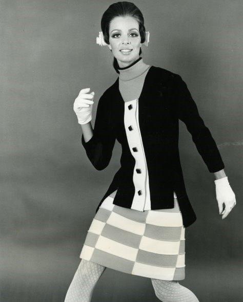 Atelier Albertina, modello di Brunetta fotografato da Armando Aldanese, 1968, stampa fotografica in bianco e nero su carta al bromuro d'argento