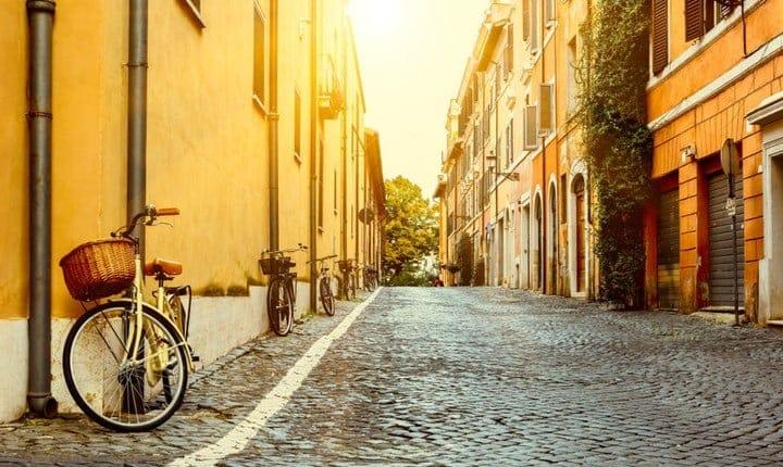 Distanze tra edifici, cosa accade se li separa una strada?