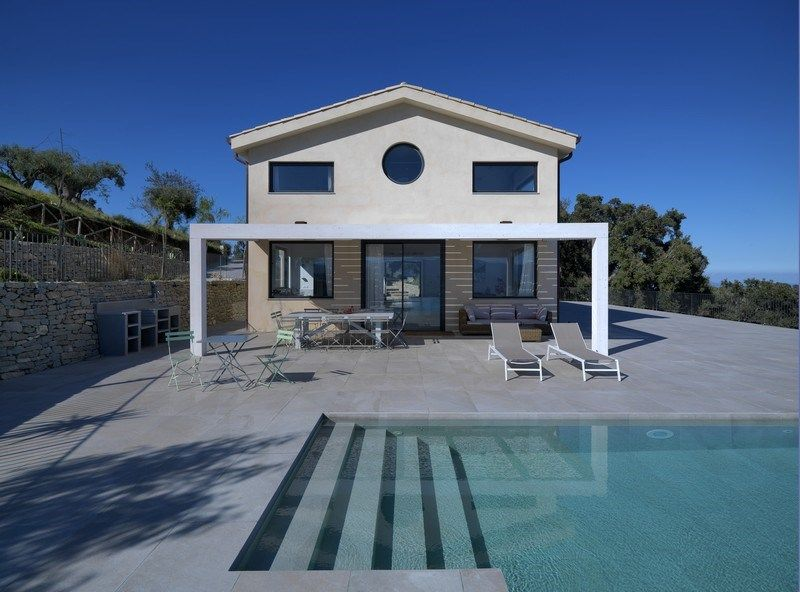 Villa Dionisio: una casa da sogno immersa nel blu