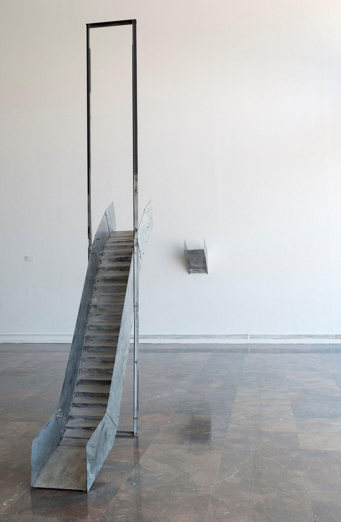 Ángeles Marco, Escalera mecánica, 1987. Ferro e vernice. Courtesy IVAM, Institut Valencià d'Art Modern