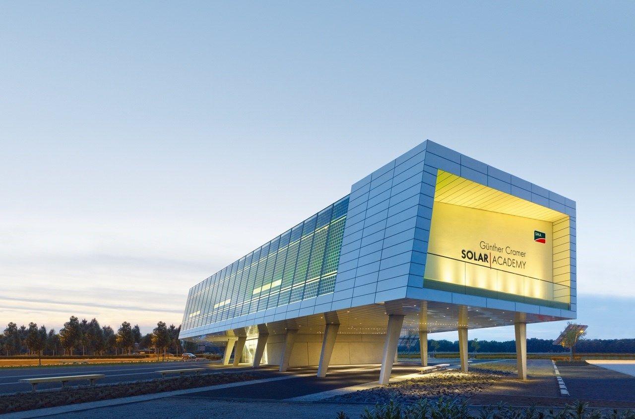 SMA amplia l'offerta della SMA Solar Academy per gli specialisti del fotovoltaico