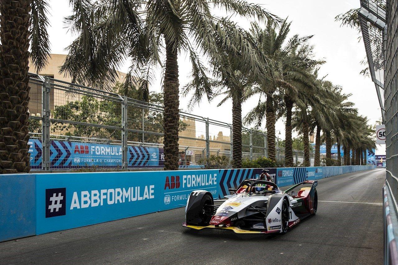 ABB entra nella terza stagione come partner principale di Formula E mentre cresce il numero di fan