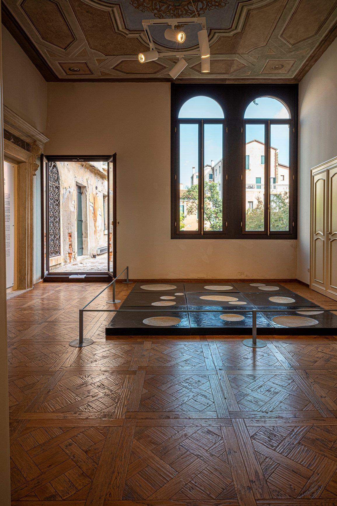 Da dimora e bottega del legno a spazio espositivo