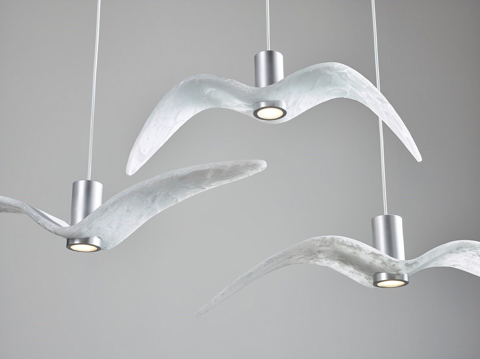 Molatura Vetro Fai Da Te night birds: il vetro riciclato evoca il volo degli uccelli