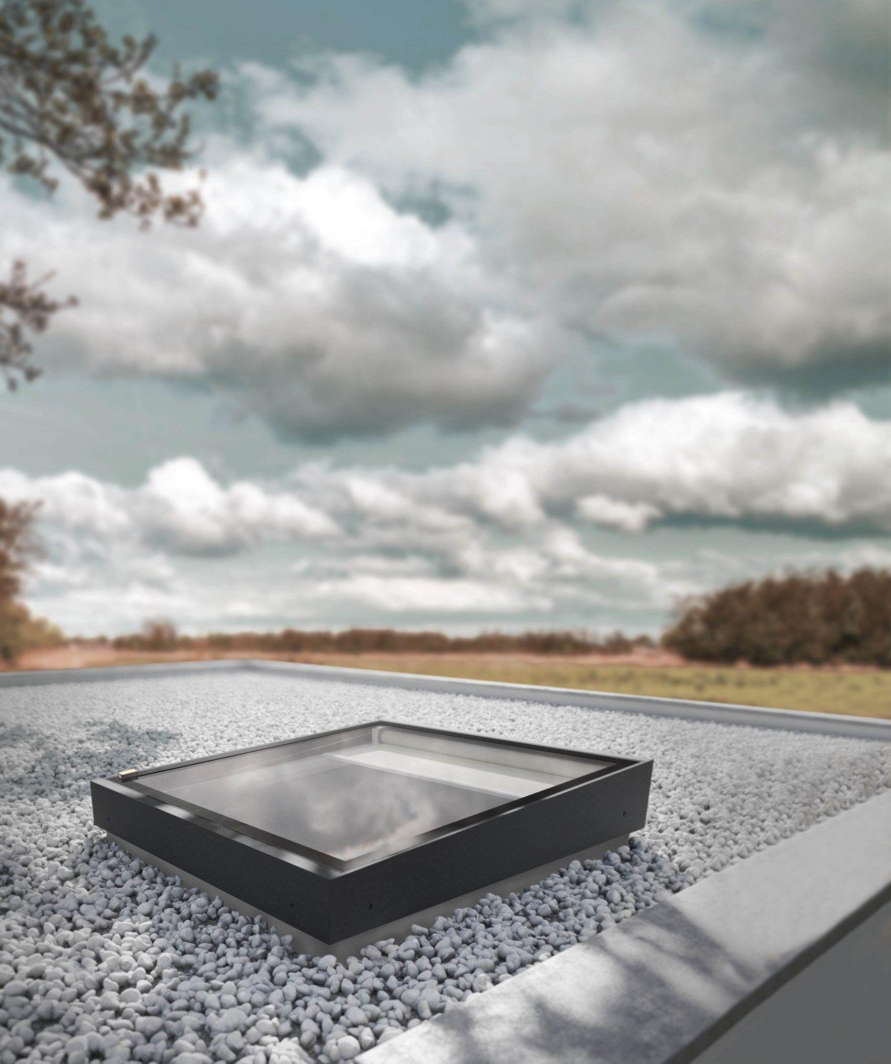 Nuova finestra per tetti piatti FAKRO modello Z