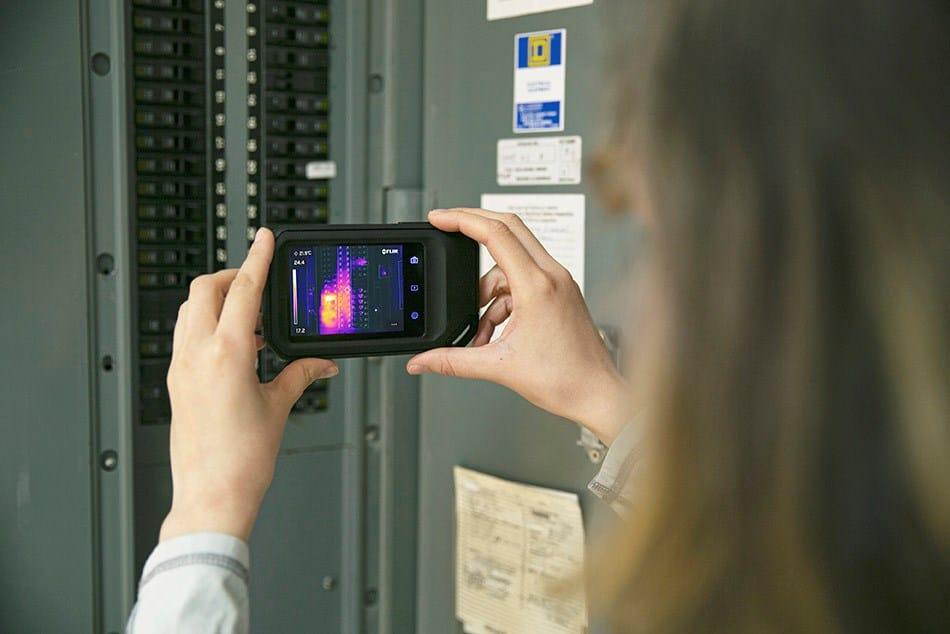 FLIR presenta la termocamera compatta C5 con connettività cloud
