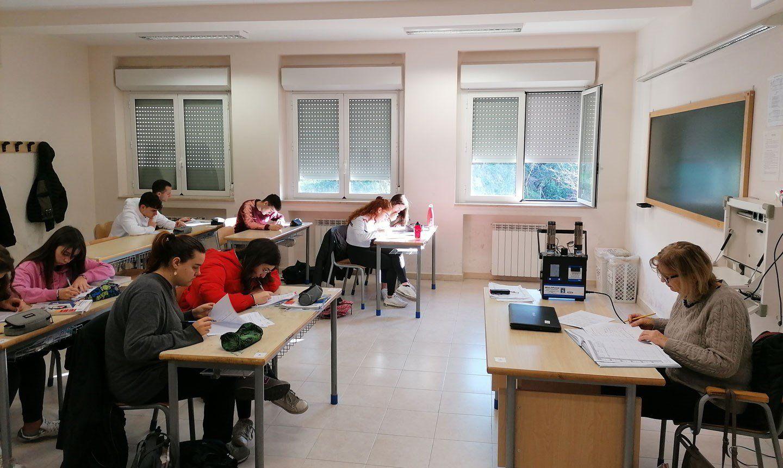 Nelle scuole italiane non tira una buona aria