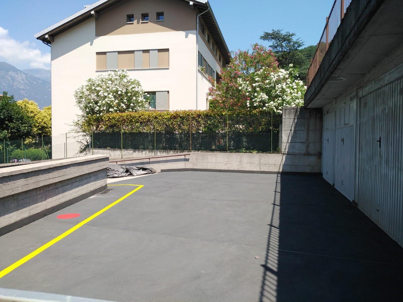 Triflex per la riqualificazione di un parcheggio condominiale a Pisogne (Brescia)
