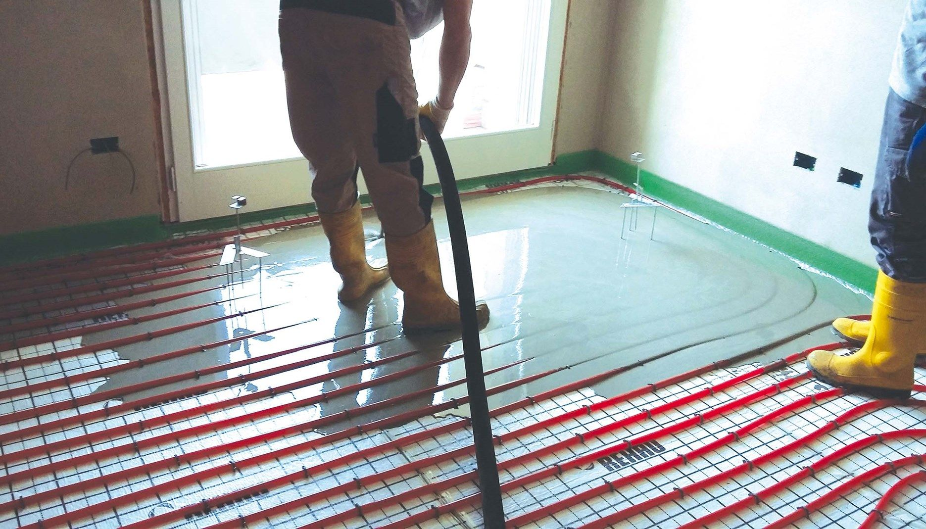 Le soluzioni sottili e autolivellanti Laterlite per pavimenti radianti e lisciatura di fondi irregolari