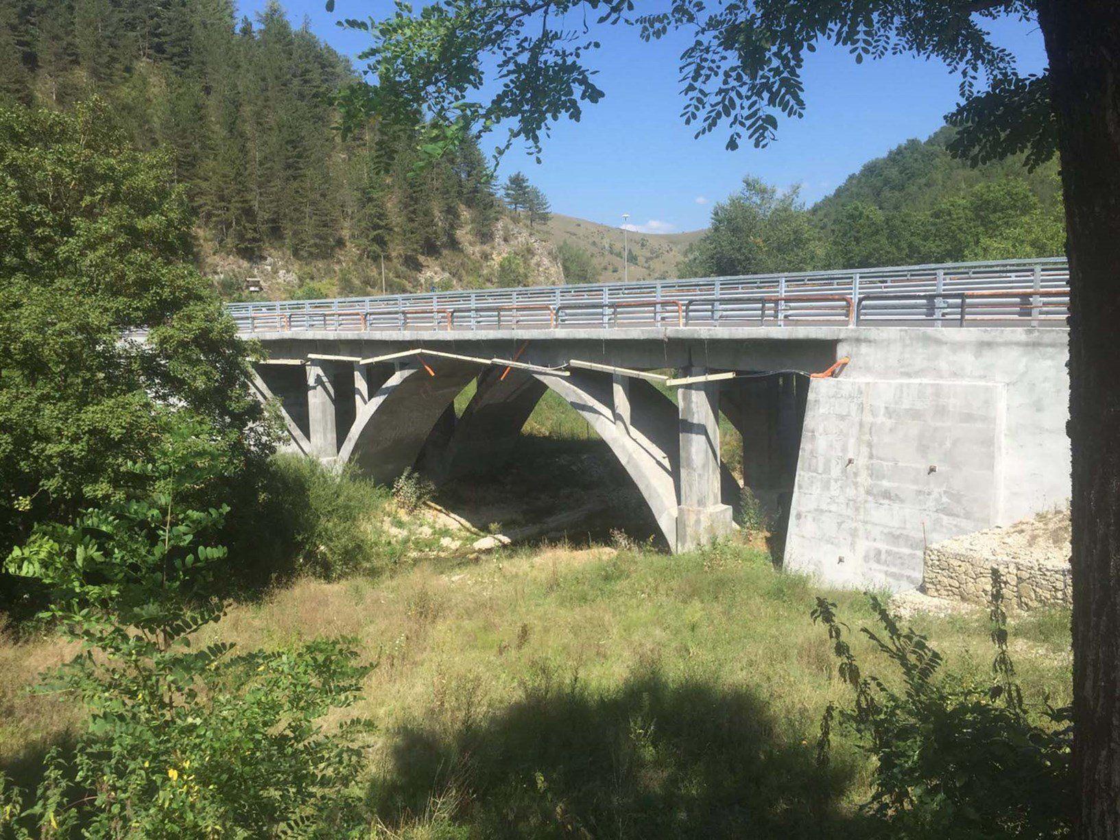 Rinforzo strutturale FRCM Ruregold per un viadotto sulla Salaria
