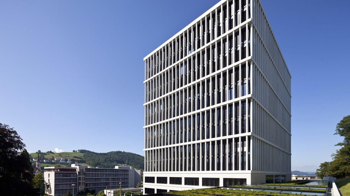 Triflex per la realizzazione del deposito per le biciclette del Tribunale Amministrativo Federale di St. Gallen in Svizzera