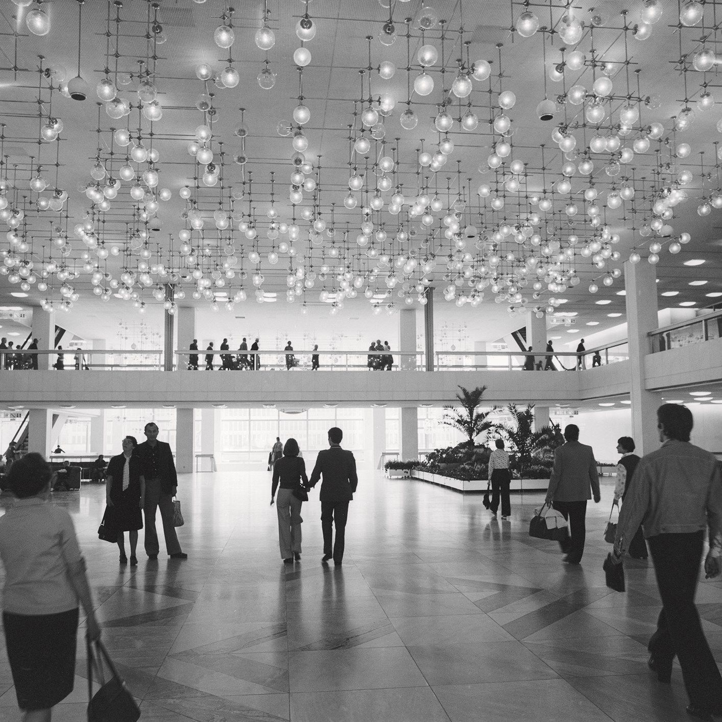 Interior view of Palace of the Republic in Berlin – Mitte district, 1977 © ddrbildarchiv.de/Manfred Uhlenhut