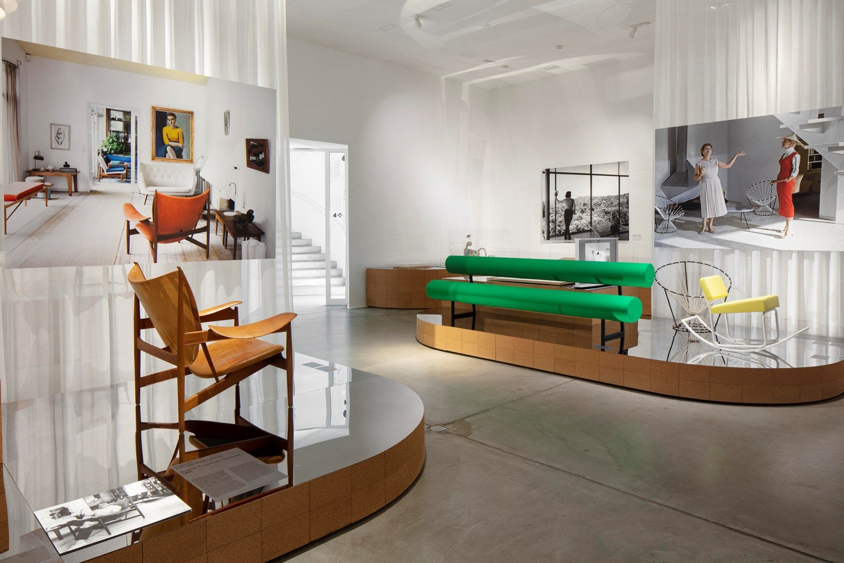 Installation view »Home Stories: 100 Years, 20 visionary Interiorss« © Vitra Design Museum, photo: Ludger Paffrath