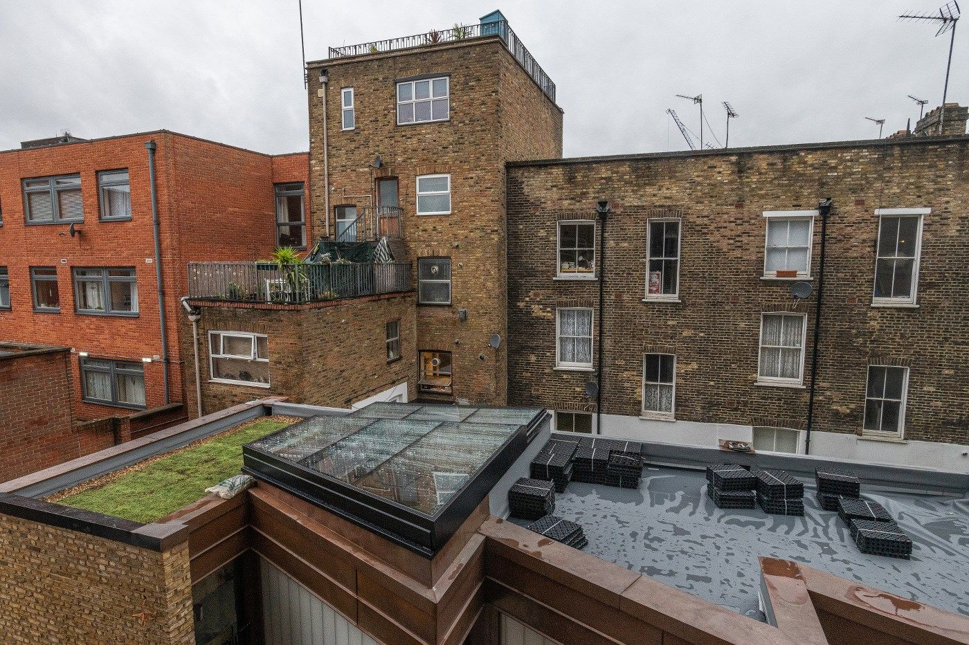 Sostenibilità, estetica e qualità svettano sul tetto di Chalk Farm a Londra firmato Renolit