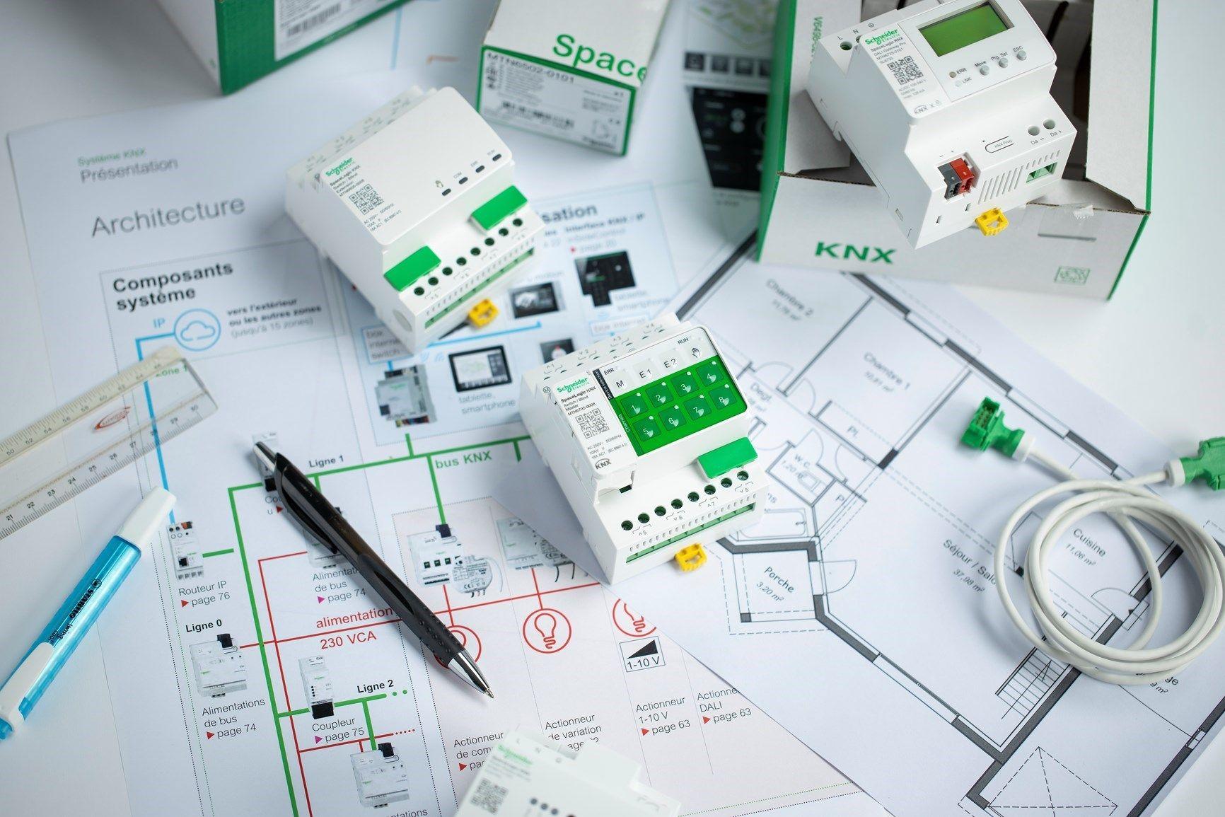 Schneider Electric presenta SpaceLogic KNX: dispositivi modulari da quadro per la building automation