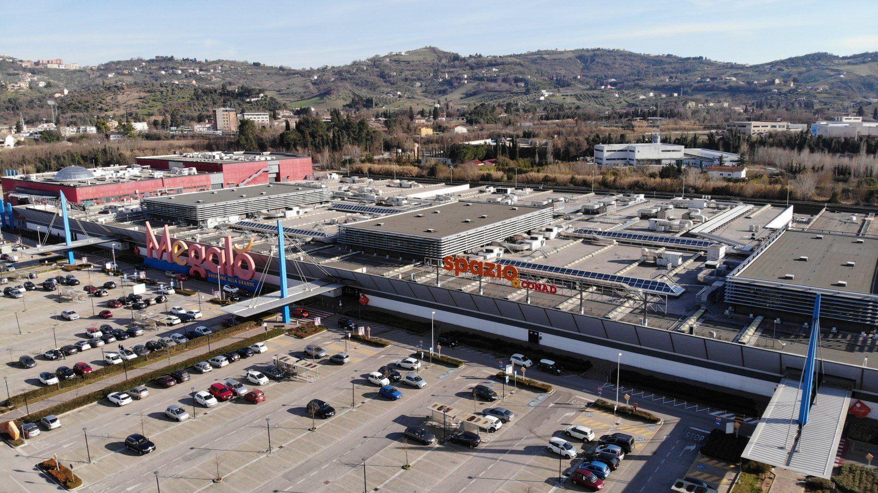 Centro commerciale Megalò di Chieti, la copertura è green grazie a Derbigum NT