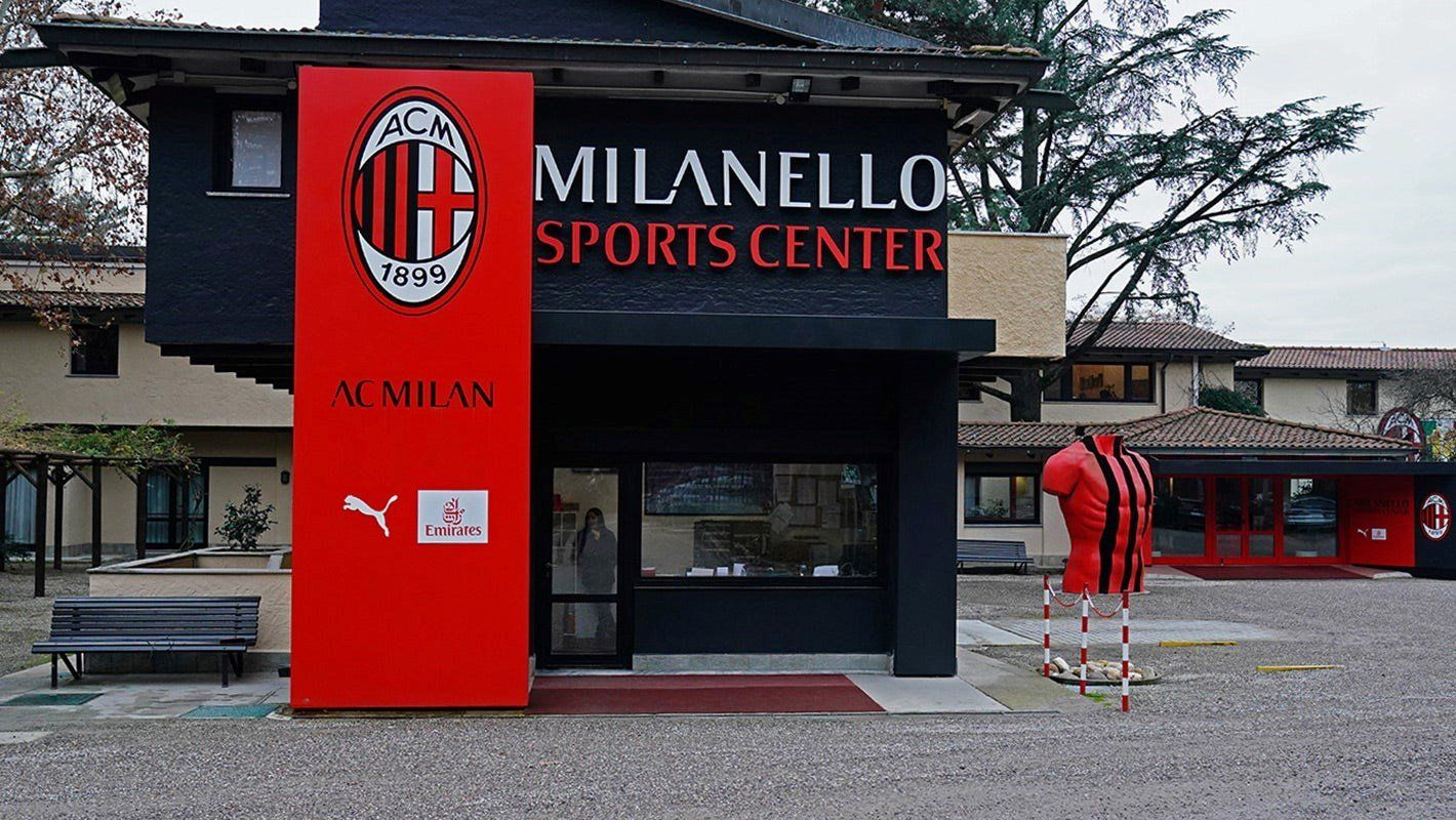 Primate scende in campo con il Milan