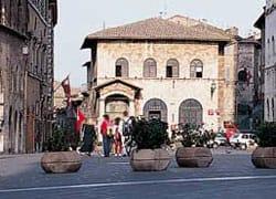 Assisi riqualifica i centri storici minori