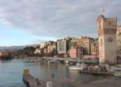 Bacheca e Dehor ideali per il centro storico di Savona