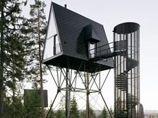 Dormire in una moderna capanna tra le foreste norvegesi