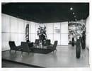 Bob Noorda allo stand Pirelli al Salone dell'Automobile di Torino del 1958, Foto Publifoto - ©Fondazione Pirelli