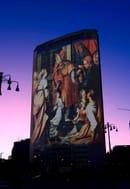 """Opere d'arte proiettate sul Grattacielo in occasione dell' esposizione """"La Regione dà luce all'arte"""", 9 dicembre 2009 - 25 aprile 2010 (ANSA Archivio"""