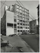 """Sede della finanziaria """"La Centrale"""", Milano, 1954-1957 (con P.G. Bosisio, U. Busca, G. Casalis, C. Maltini). (APL Milano)"""
