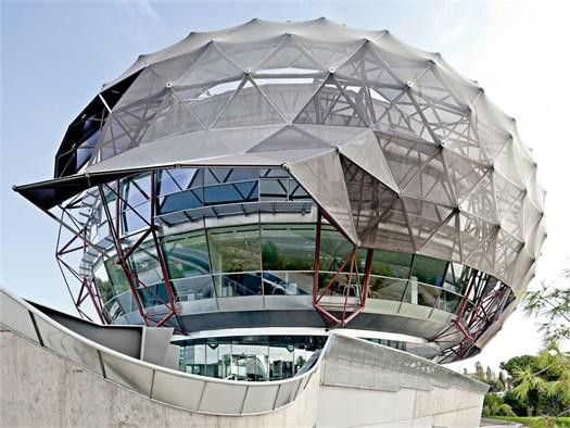 Il cielo iguzzini la sede spagnola firmata mias arquitectos