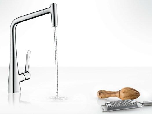 lazienda tedesca ha progettato nuovi miscelatori da cucina della linea metris e
