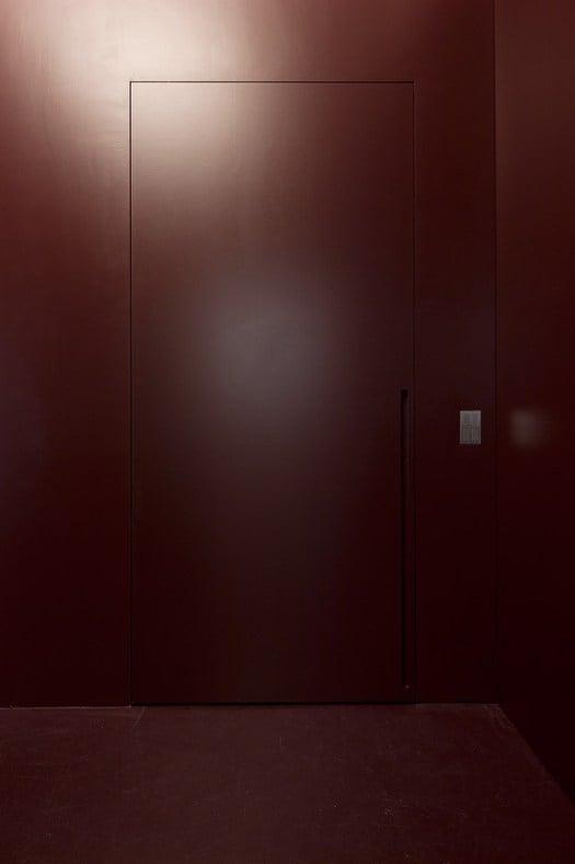 L invisibile presenta lo scorrevole centro parete for L invisibile portarredo