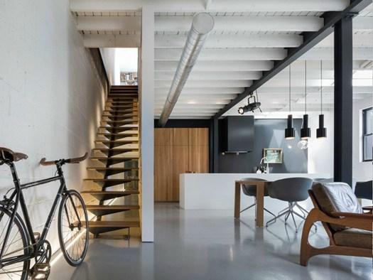 Arredamento Casa Stile Vintage : Atelier moderno trasforma un ex officina in casa museo