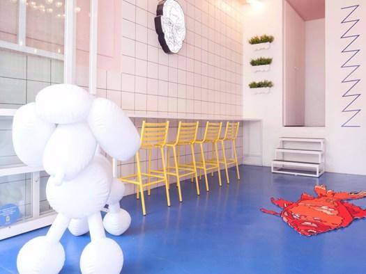 Arredamento Stile Pop Art : Coffix il nuovo bar di atene punta sull arredo pop art