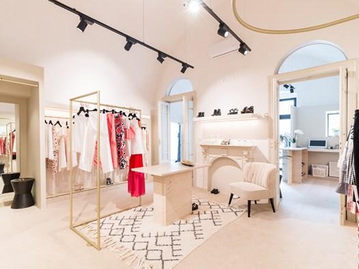 Claude uno spazio per l 39 abbigliamento by silvio girolamo for Interno 09 abbigliamento