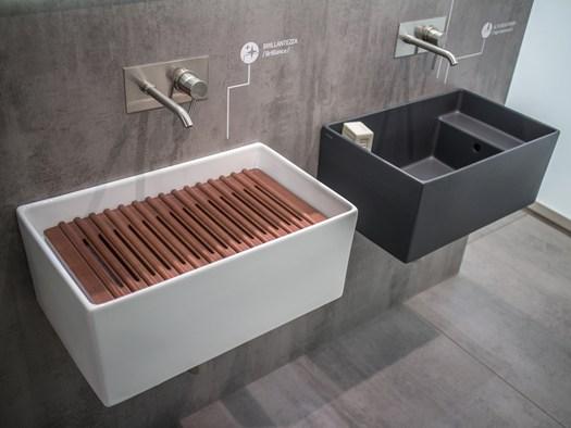 Ceramica Galassia Piatti Doccia.La Ceramica Abbinata A Materiali Diversi