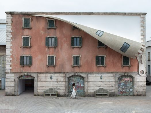 ©IQOS World Revealed by Alex Chinneck, Spazio Quattrocento - Opificio 31