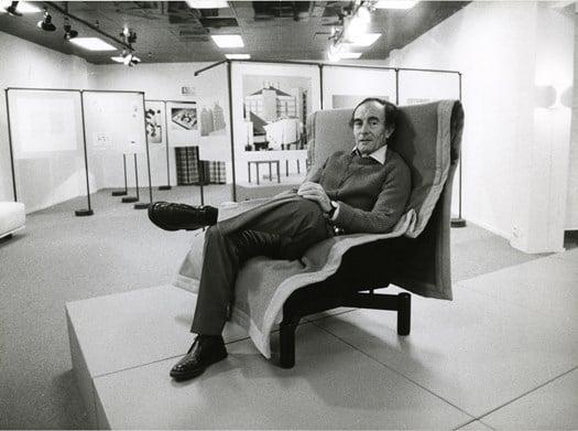 Vico Magistretti on the Sindbad armchair © Archivio Studio Magistretti