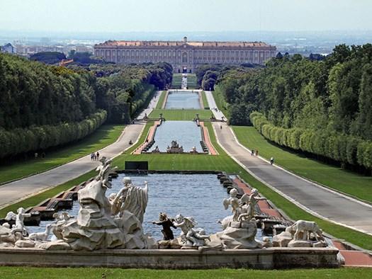 Reggia di Caserta: prospettiva dalla fontana di Venere e Adone - ©Carlo Pelagalli