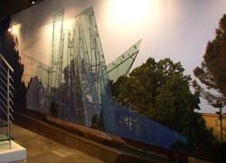 Architetture trasparenti arredano lo Showroom Faraone di Trezzano sul Naviglio