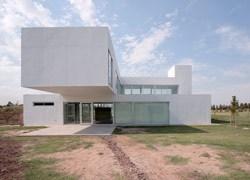 Argentina: una casa al confine di un campo da golf